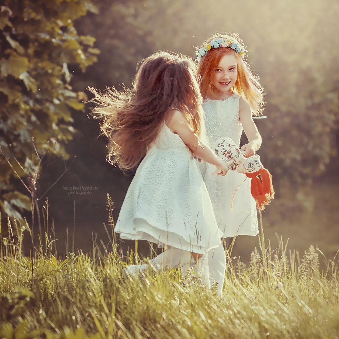 Праздником, картинки две сестрички красавицы